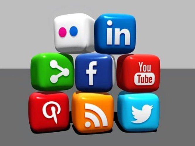 Redes sociales ofrece